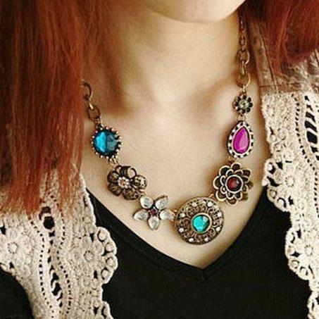 Retro Style Magnificent Turquoise Crystal Flower Pendant Necklace   AtPerrys Healing Crystals   1