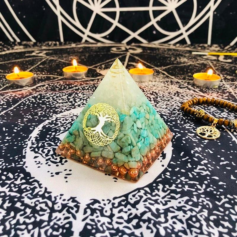 Orgonite Pyramid Turquoise Crystaldecoration