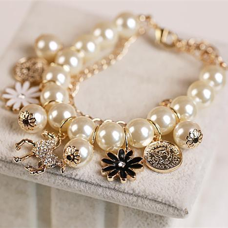 Fashion Multi-layer Alloy Simulated Pearl Beaded Bracelet With Horse & Flower Charm