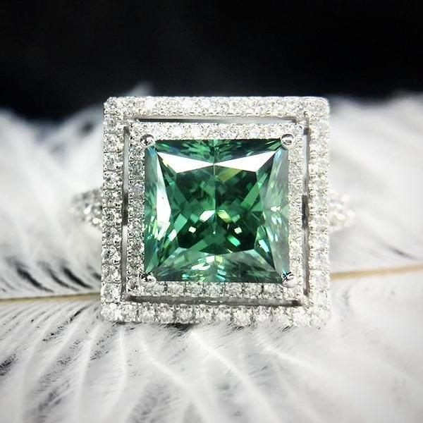 14K White Gold Green Moissanite Ring