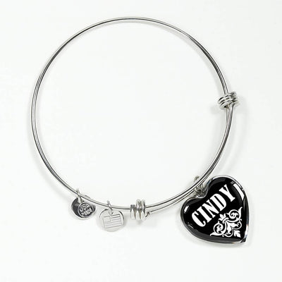 Cindy v02 - Heart Pendant Bangle Bracelet