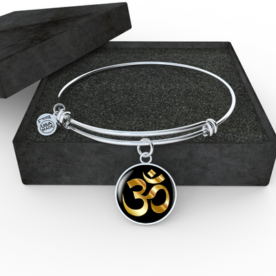 Golden Om Symbol - Bangle Bracelet