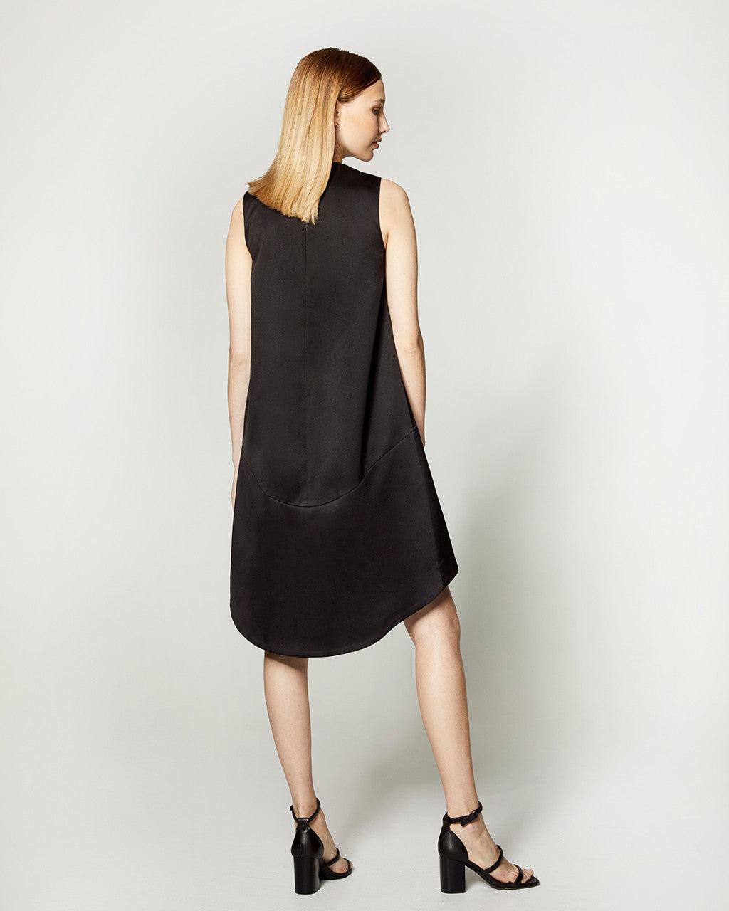 CIRCLE CUT DRESS - BLACK