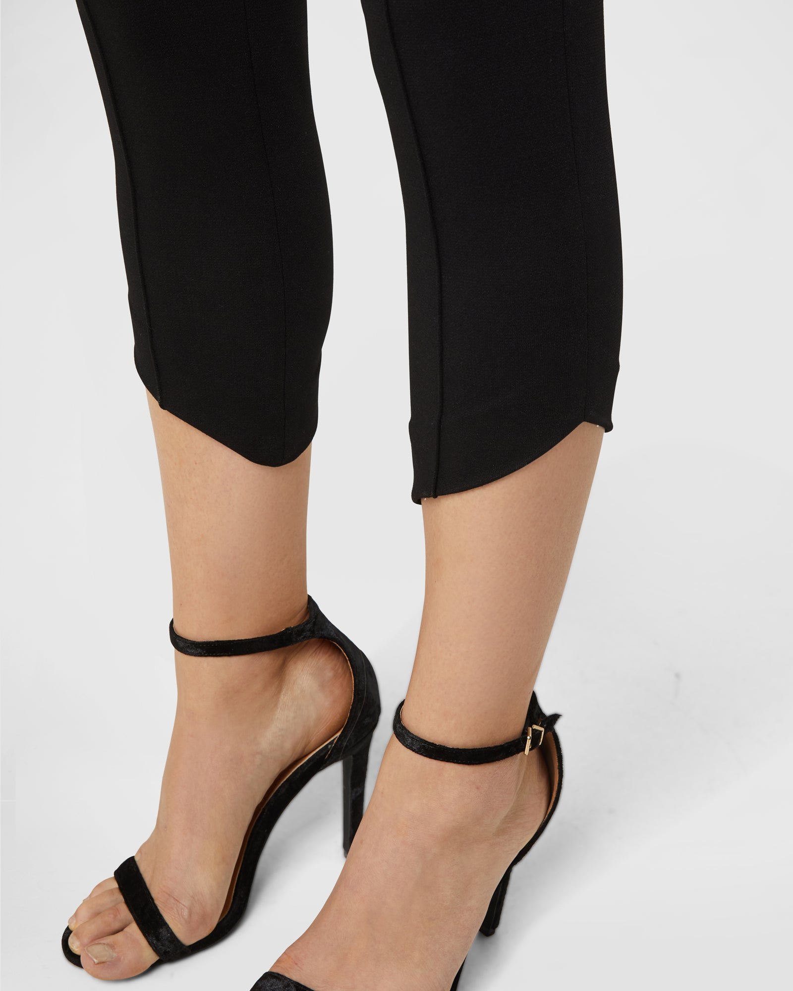 Diagonal Hem Trousers