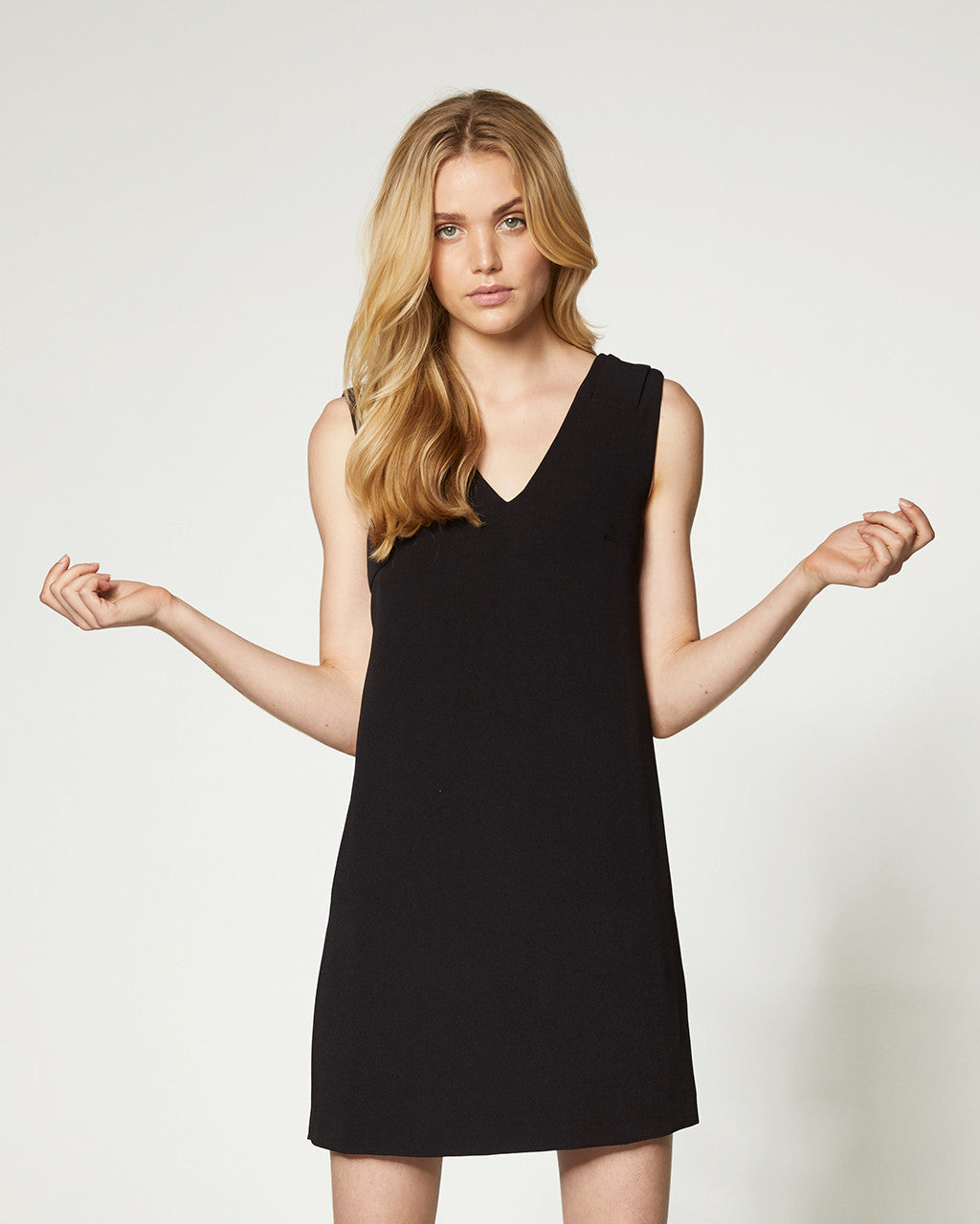 POCKET DRESS - BLACK