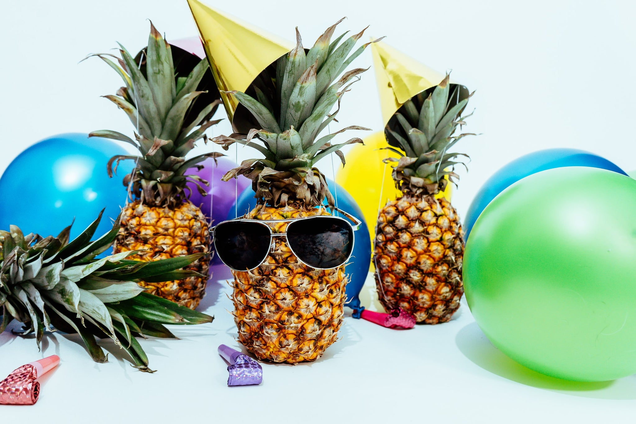 FUN IN THE SUN WITH SUMMER'S HOTTEST PARTY TRENDS