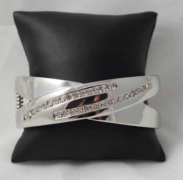 Chris Crossed - Diamonte Bangle