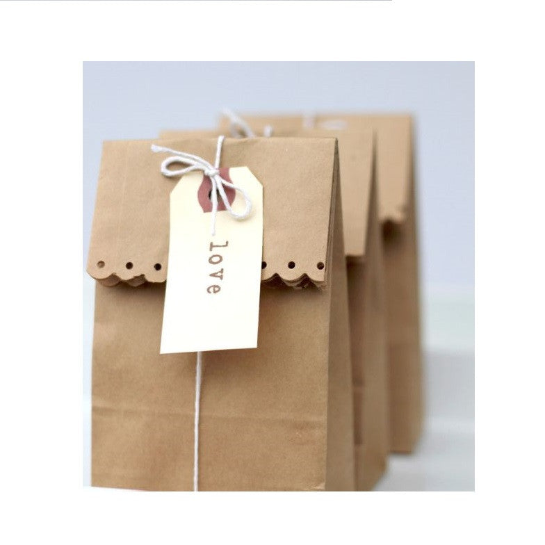 20 Brown Kraft Paper Party Bags Scalloped Edge - 16.5cm x 9.5cm x 6.5cm Gusset