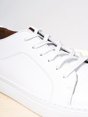 Garment Project / Classic Lace Floater | White