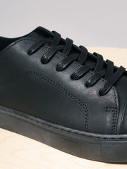 GARMENT PROJECT / Classic Lace Leather | Black Black