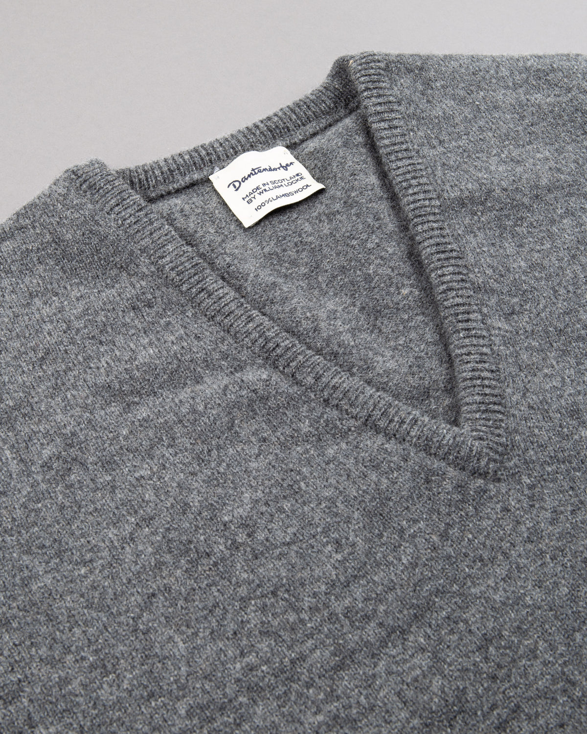 V-Neck Lambswool Pullover