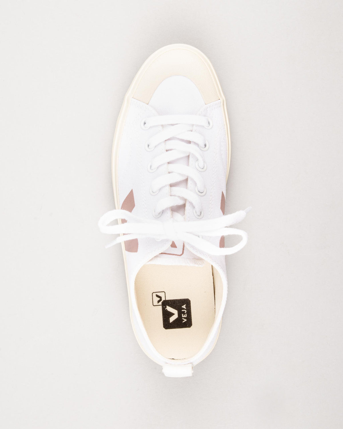 Nova Canvas Sneakers