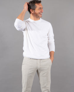 Malo pullover 100% cashmere r-neck in white male model