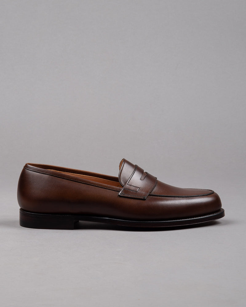 Crockett and Jones Herren Penny Loafer Schuh in braun mit Ledersohle