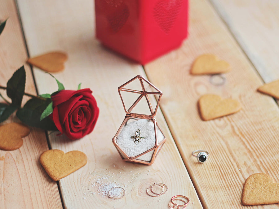 clear-glass-geometric-wedding-engagement-proposal-ring-box-valentines-day-gifts-for-her