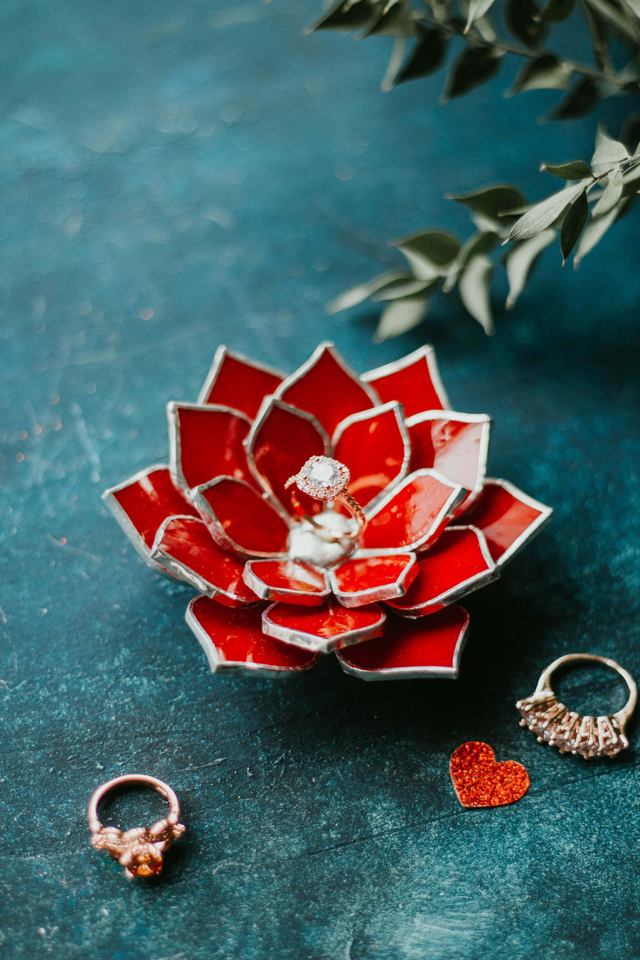 red-stained-glass-succulent-ring-dish-floral-wedding-decor-romeo-rubin (6)