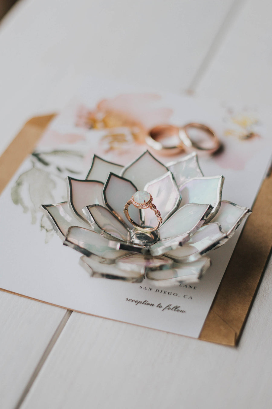 stained-glass-white-ivory-pearl-iridescent-succulent-shaped-engagement-wedding-ring-dish-holder-02