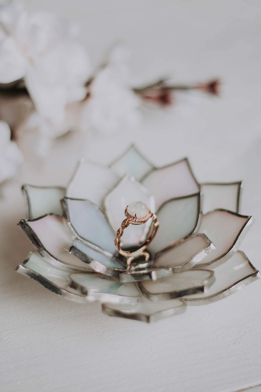 stained-glass-white-ivory-pearl-iridescent-succulent-shaped-engagement-wedding-ring-dish-holder-03