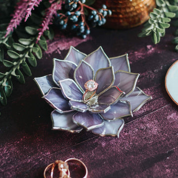succulent-shaped-wedding-ring-dish