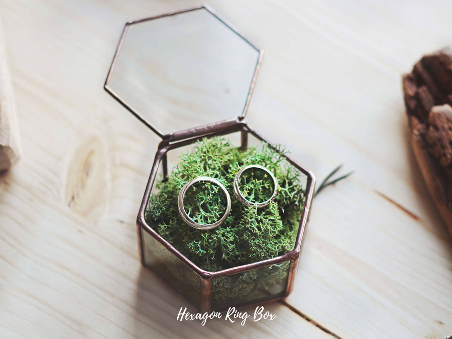 wedding ring box with moss