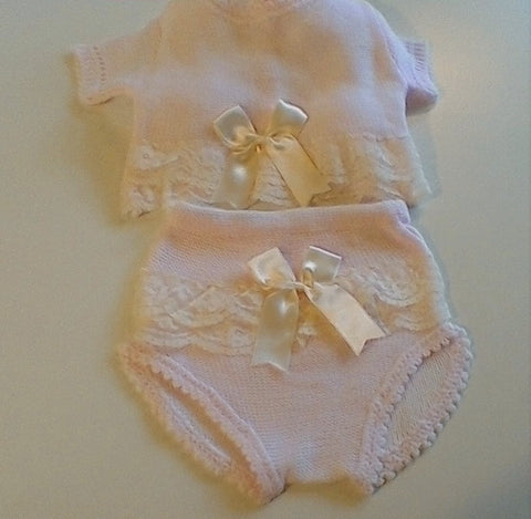 Stunning fine knit 2 pce. size 1 mth
