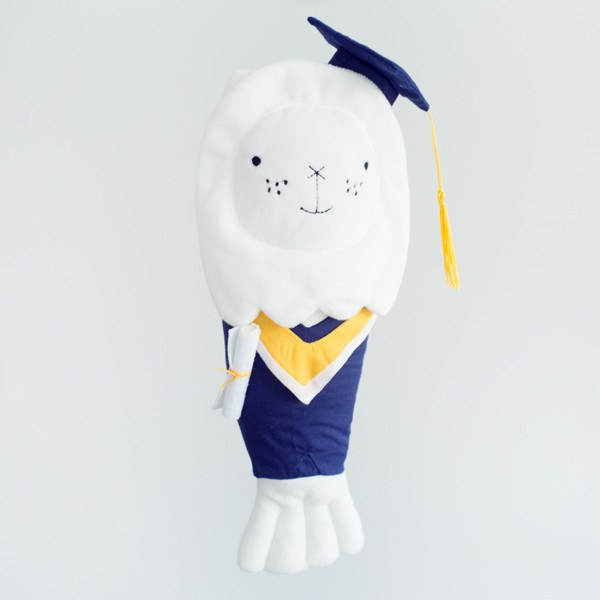 SS45.4 Merlion ChouChou Graduates Gown - Collectibles - STUCKSHOP - Souvenirs from Singapore