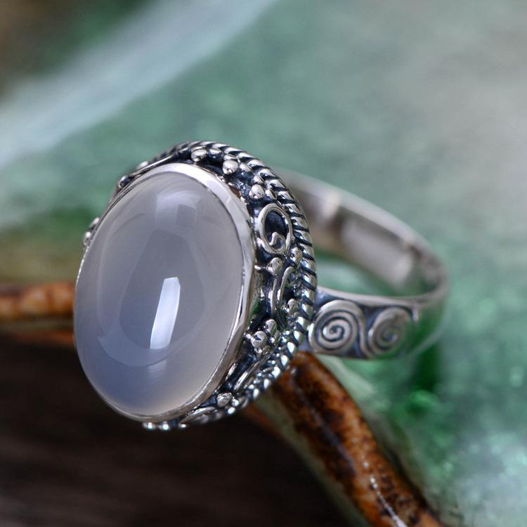 Vintage white chalcedony gemstone ring - sterling silver.