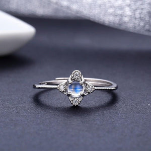 Clover cross moonstone ring - sterling silver.