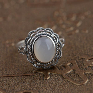 White chalcedony gemstone ring - sterling silver.