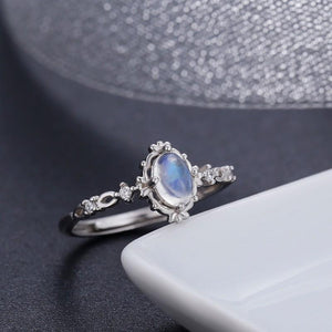 Vintage round moonstone ring - sterling silver.