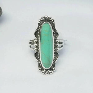 Vintage Oval Green Stone Ring