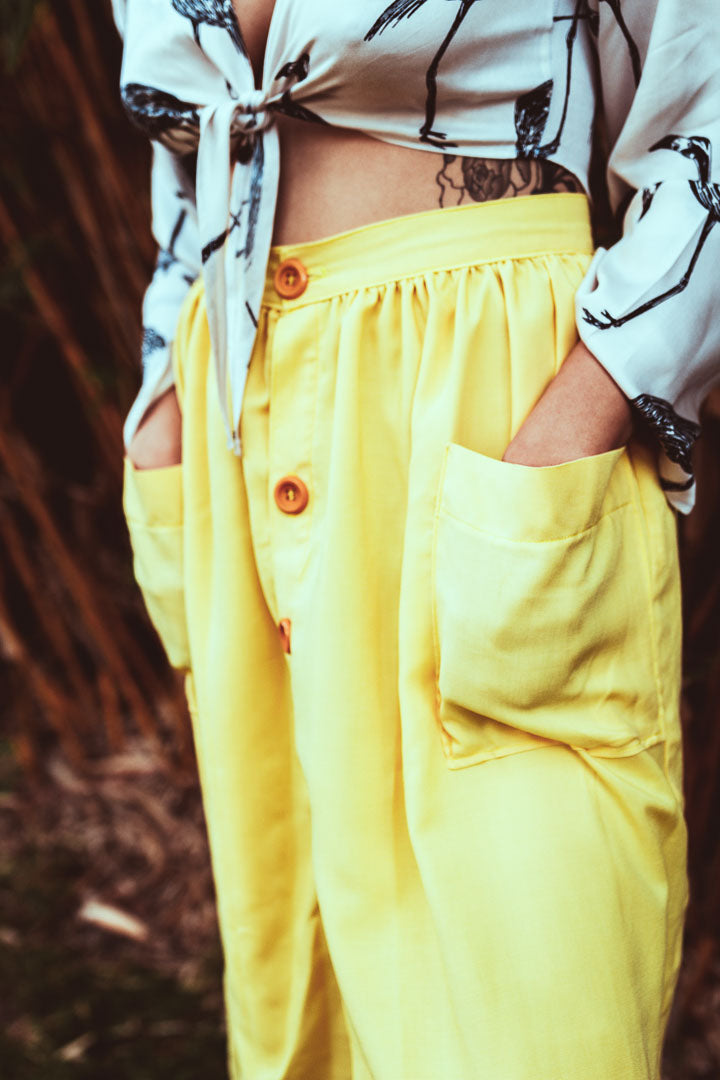 Button front yellow skirt with pockets