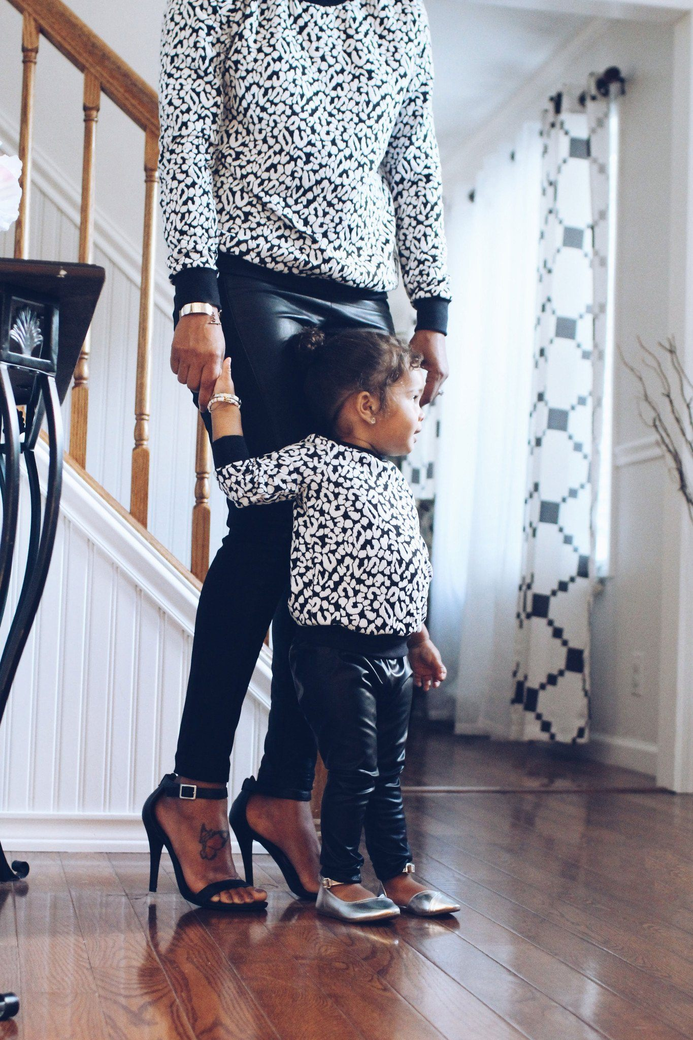 mommy baby matching tops fall outfit black white cheetah sweaters mifille. Black Bedroom Furniture Sets. Home Design Ideas
