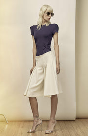 Elemis - Flared and Pleated Bermuda Shorts