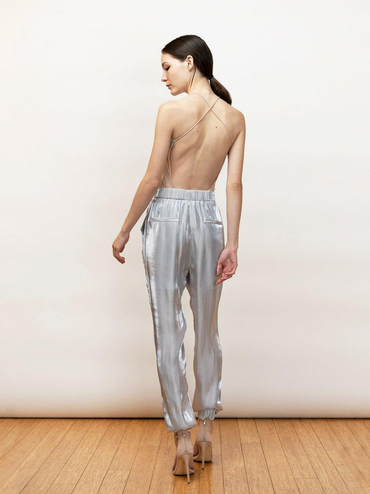 Rema high waisted pants in satin fabric.