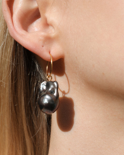 Jumbo NOIR Baroque Pearl earrings
