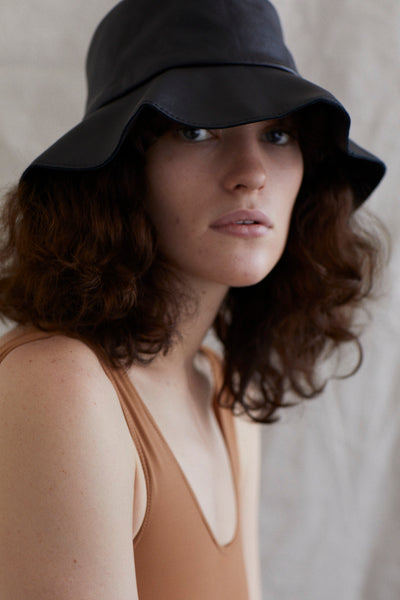ALBUS LUMEN X HELEN KAMINKSI Isa leather Bucket Hat