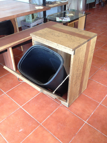 Garbage Can Holder