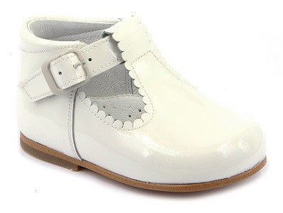 12658. Classic High Back Mary Jane Shoe