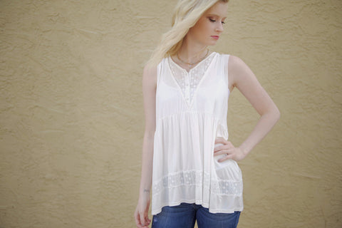 Eyelet Influence Top