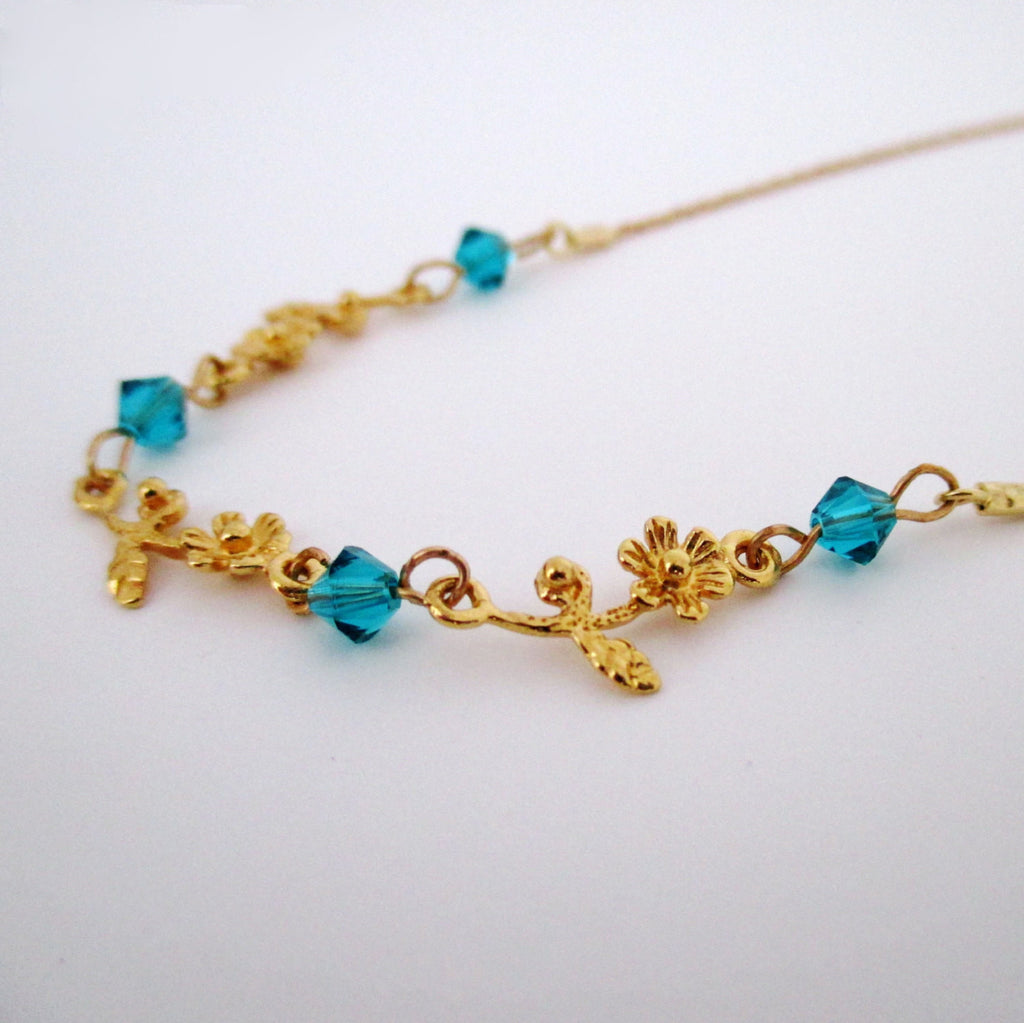 Dainty Flower Gold Necklace – Michelle jewelry