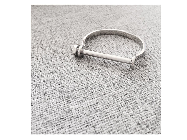 Cara Screw Bangle - Silver / Matt black - themultistorey.co