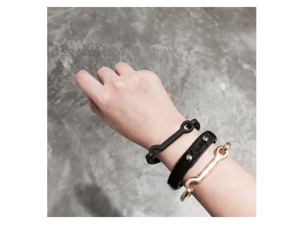 Hook Bangle - Gold - themultistorey.co