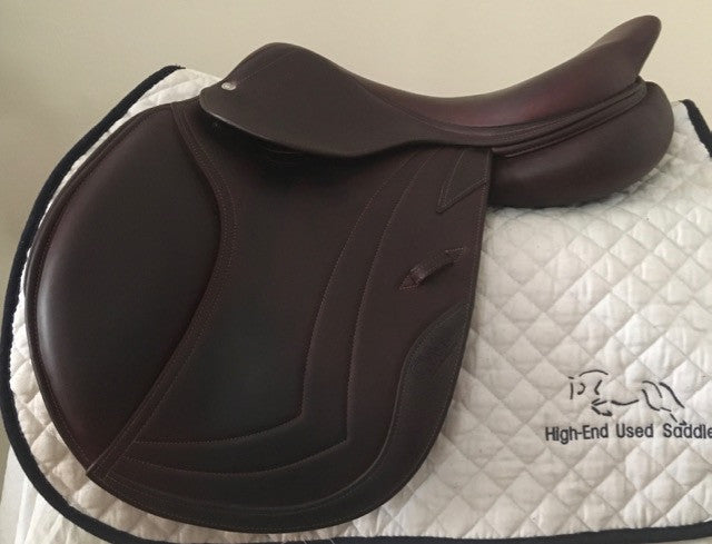 "Item #CW59C - CWD 17"" SE02 Full Calfskin 2015, with Integrated Panels, Regular Flap, Demo Condition"