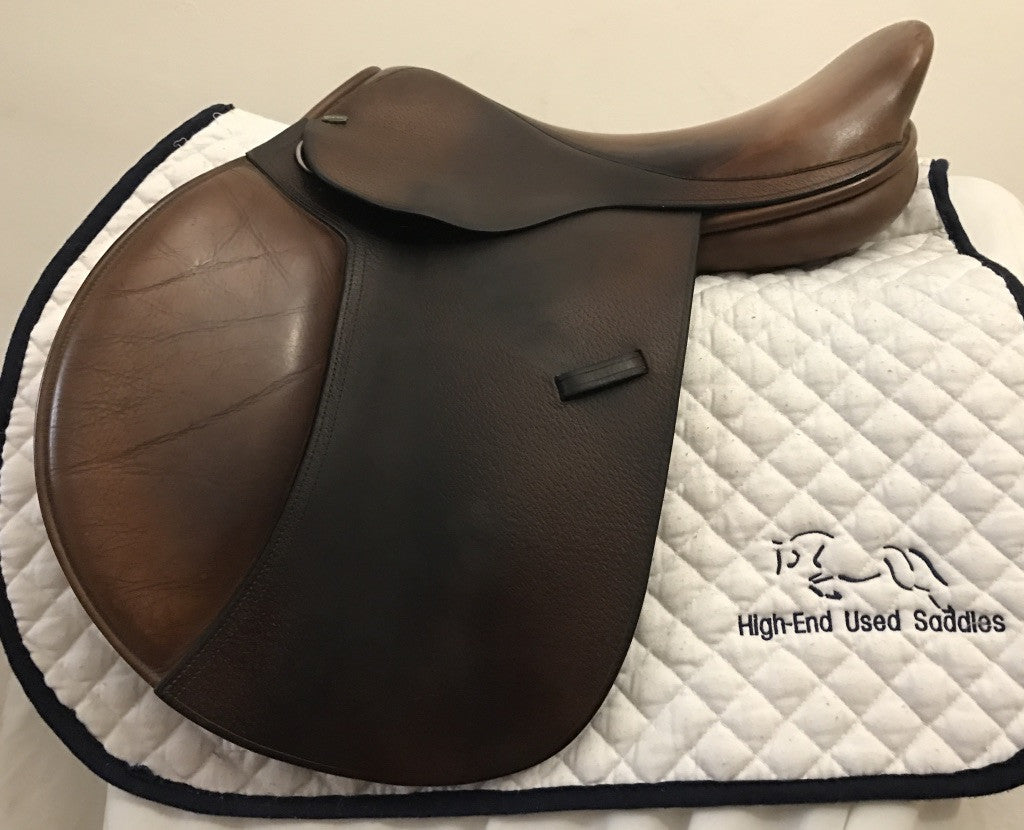 "Item #M143C – Beval Natural 16"", Front Blocks, Flap Suited to Longer-Legged Rider, Twist Similar to Butets, Regular Tree Suited for Many Horses"