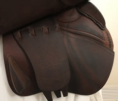 "Item #CW67C – CWD 18"" Long Flap 2011, Grippy Leather, Integrated Panels"