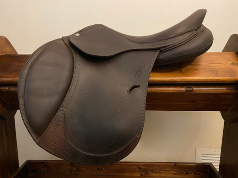 Item #AN110C - Antares Evolution 16.5/17, Super Grippy Upgraded Full Buffalo Leather Option, Fit for Wide Horse/Pony, DTA 50 Panels for Comfort, Excellent Condition, 2017 with Antares Leather Cantle Cover