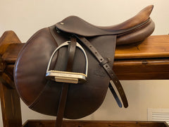 "Item #CW100C - CWD 17"" SE02 Long Flap (3L) with Leathers/Irons, Very Good Condition, 2006, Soft Supple Leather"