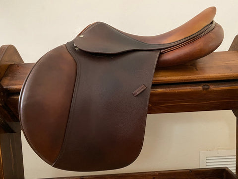 "NEW LISTING: Item #DV97C - Devoucoux Biarritz 17.5"", Flap for Taller Rider (4), Wide Tree, 2008"