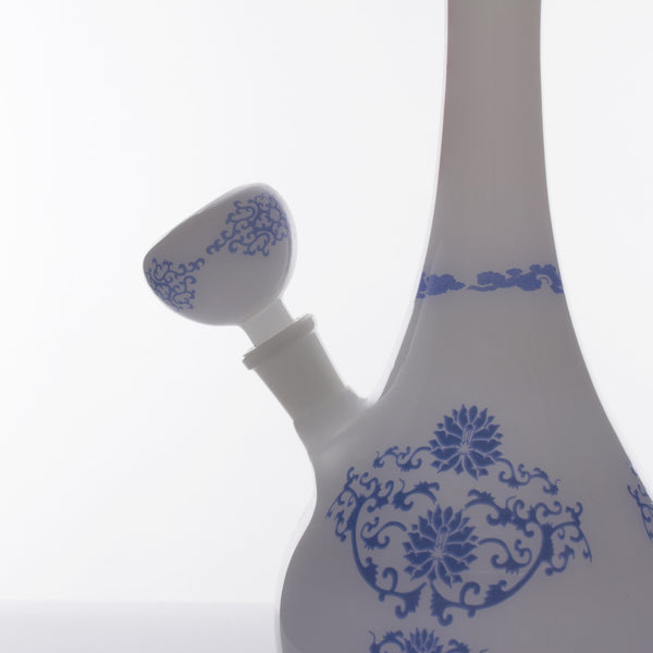 The China Glass Nan Dynasty Vase Water Pipe